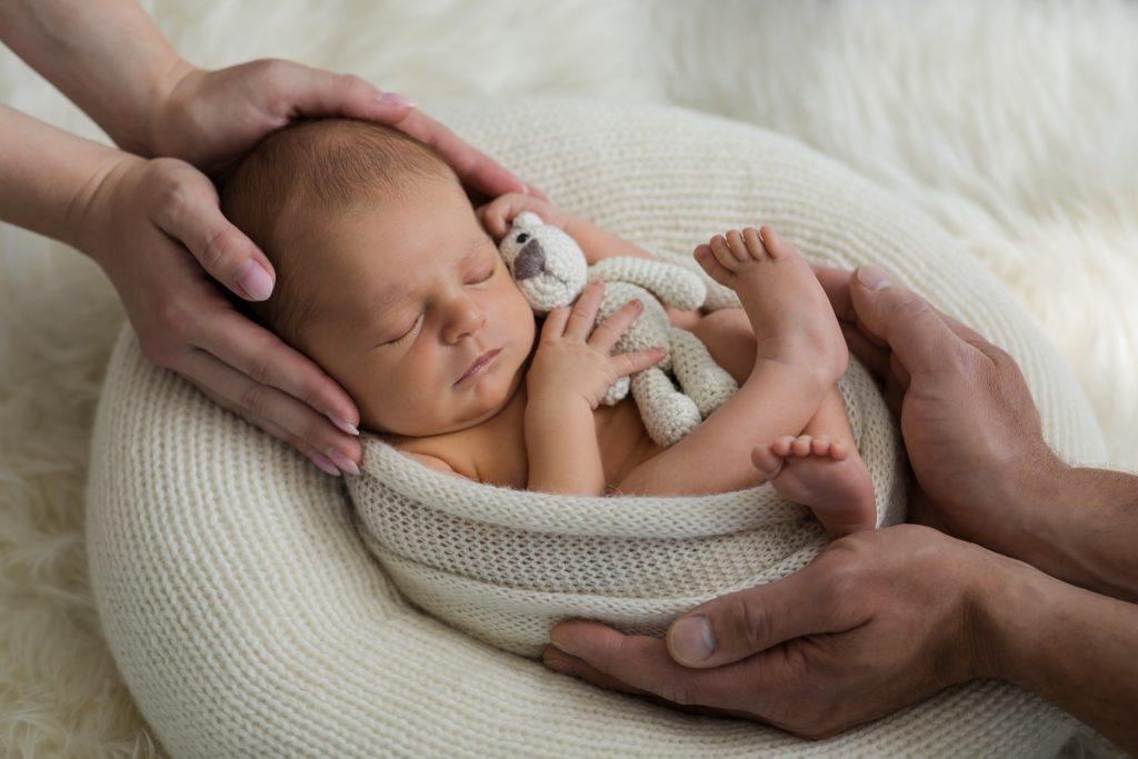 schöne Babyfotos zu Hause